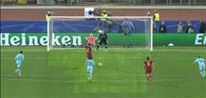 گل دوم آ اس رم به بارسلونا از روی نقطه پنالتی(ده روسی)