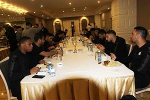 چند هوادار ایرانی در هتل السد!