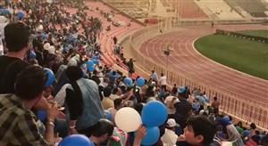 حضور گرم هواداران استقلال در ورزشگاه کویت