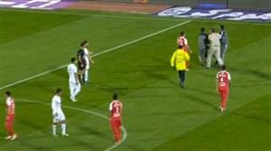 جیمی جامپ در دقایق پایانی بازی پرسپولیس-سپیدرود رشت