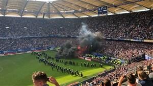 خشم هوادارن هامبورگ پس از سقوط به بوندسلیگا 2