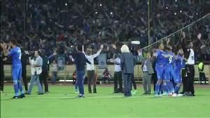 تشویق ایسلندی بازیکنان و هوادران پس از پایان بازی