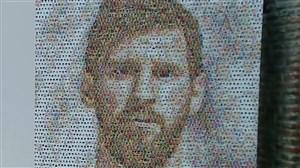 ساخت هنرمندانه چهره لیونل مسی با صدها کارت بازی