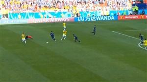 پشت پا اتفاقی بازیکن کلمبیا به داور