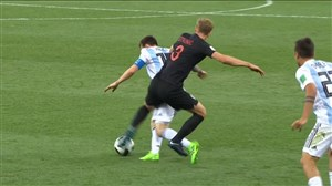 عصبانیت مسی در جریان بازی با کرواسی