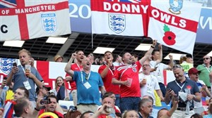 هجوم مردم انگلیس برای حمایت از سه شیرها
