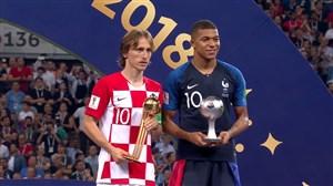 جایزه برترین بازیکن جوان (امباپه) و برترین بازیکن جام (مودریچ)