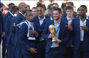 دیدار تیم ملی فرانسه با رئیس جمهور در کاخ الیزه