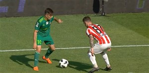 کنترل توپ نیماری فرشاد احمد زاده در لیگ لهستان