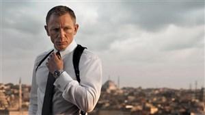 بازدید جیمز باند (دنیل کریگ) از رختکن لیورپول