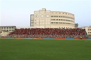جو فوق العاده ورزشگاه شهید وطنی پیش از شروع دیدار نساجی