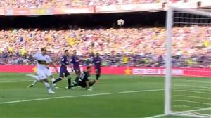 گل دوم بارسلونا به بوکاجونیورز (مسی)