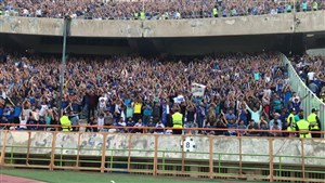 تشویق ایسلندی هواداران استقلال قبل از شروع بازی با السد