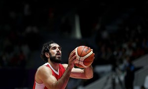 ناکامی صمد نیکخواه بهرامی در درفت جیلیگ کاپیتان بسکتبال در آمریکا بدون تیم ماند!