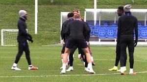 تمرین سه شیر ها برای بازی با سوئیس(19-07-97)