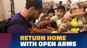 استقبال هواداران بارسلونا پس از بازگشت به خانه