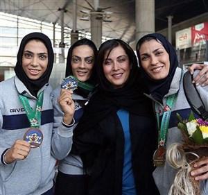 صحبتهای خواهران منصوریان درباره الهام چرخنده و مهتاب کرامتی