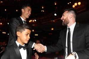 مسی به رونالدو رای داد، رونالدو به مودریچ