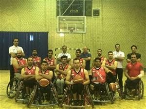 بدرقه ملیپوشان بسکتبال با ویلچر توسط سالمندان