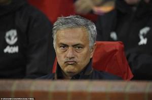 تمام بازیکنان یونایتد پشت مورینیو هستند