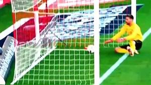 اشتباهات وحشتناک دروازهبانان در دنیای فوتبال