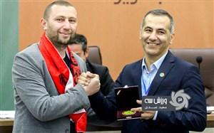 سورپرایز استاد دانشگاه ترکیه ای برای تراکتوری ها (عکس)