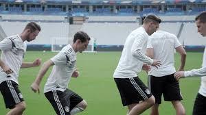 تمرینات بازیکنان آلمان پیش از دیدار با فرانسه