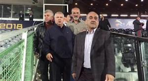حضور علی پروین در استادیوم آزادی و احوالپرسی از ماهینی