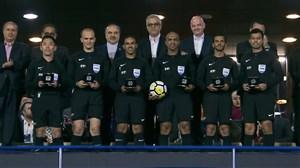 اهدای جوایز به تیم داوری بازی فینال لیگ قهرمانان آسیا