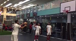 چالش بسکتبال در اردوی تیم ملی فوتبال ایران