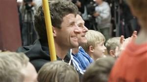 حضور انگیزشی توماس مولر و بازیکنان آلمان در آکادمی Sv Lindenau