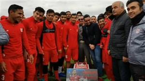 تبریک تراکتوری ها به حاجصفی بمناسبت صدمین بازی ملی