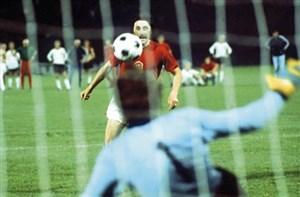 اولین پنالتی چیپ تاریخ فوتبال توسط پاننکا