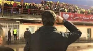 تشویق کریمی پس از شکست سنگین در مقابل استقلال
