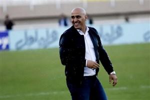 منصوریان: ذوبآهن فردا برای لیگ بازی میکند