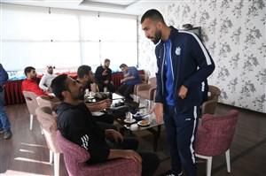 صحبتهای بازیکنان تیم ملی در حاشیه اعزام به اردوی قطر