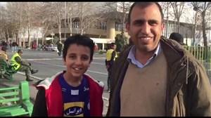 حضورهوادار پارسجنوبی با پیراهن استقلال در آزادی