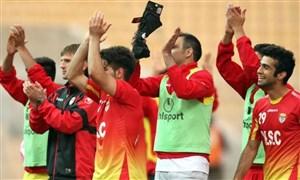 خوشحالی بازیکنان فولاد پس از پیروزی برابر تراکتورسازی