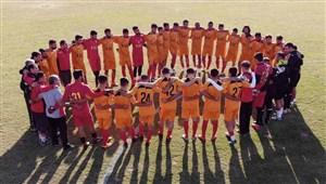 درس برادری و اتحاد در ورزشگاه غدیر