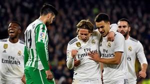 بتیس 1-2 رئال مادرید: فرار از بحران