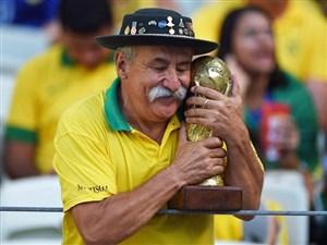 کلاویس فرناندز ؛ مشهورترین هوادار فوتبال در جهان