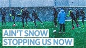 تمرین تیم منچسترسیتی در برف و سرمای زمستان