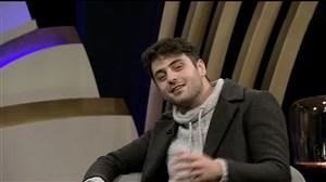 اشتباه جالب علی ضیا در برنامه زنده