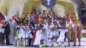 لحظه بالا بردن کاپ جام ملتهای آسیا 2019 توسط حسن الحیدوس