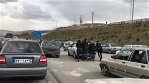 خراب شدن ماشین عروس در جاده منتهی به ورزشگاه یادگار امام تبریز!