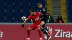 خطای پنالتی مجید حسینی در بازی ترابزون و عمرانیه