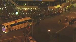 استقبال بی نظیر هواداران از کاروان رئال قبل از ال کلاسیکو