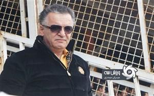 زنوزی: قانون فوتبال را نوشتید و امضای زوری گرفتید!