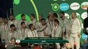 اهدای مدال نقره به تیم ملی کشتی آزاد ایران