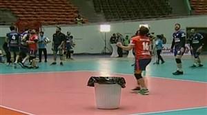 تعویق فینال والیبال به دلیل سوراخ بودن سقف آزادی